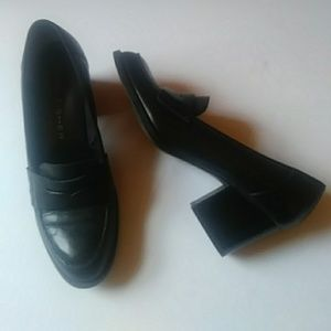 Marc Fisher black leather loafers-sz 7 1/2M